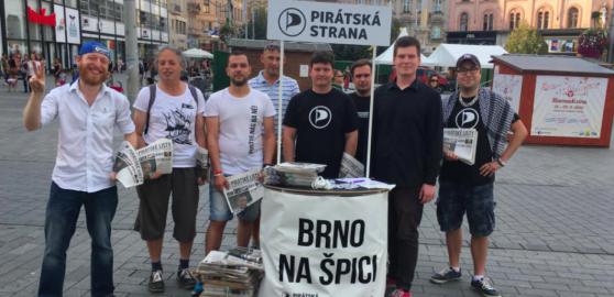 Brněnští Piráti hledají přes inzerát lidi do městských firem. Mají jen 20 členů