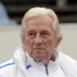 Karel Brückner, fotbalový trenér a bývalý hráč