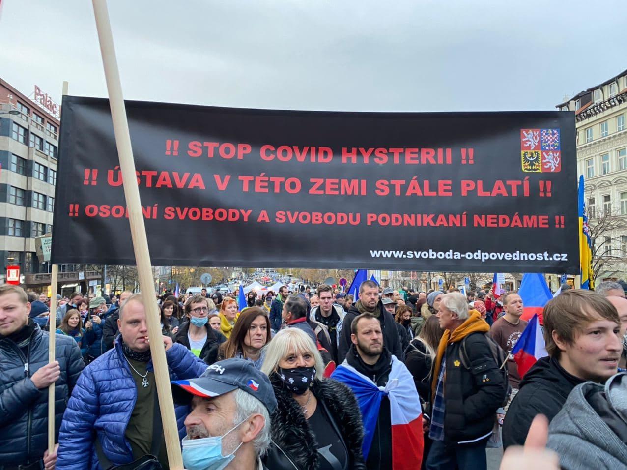 Demonstrace proti opatřením proti covidu-19 na Václavském náměstí. Foto:Jakub Zelenka, DeníkN